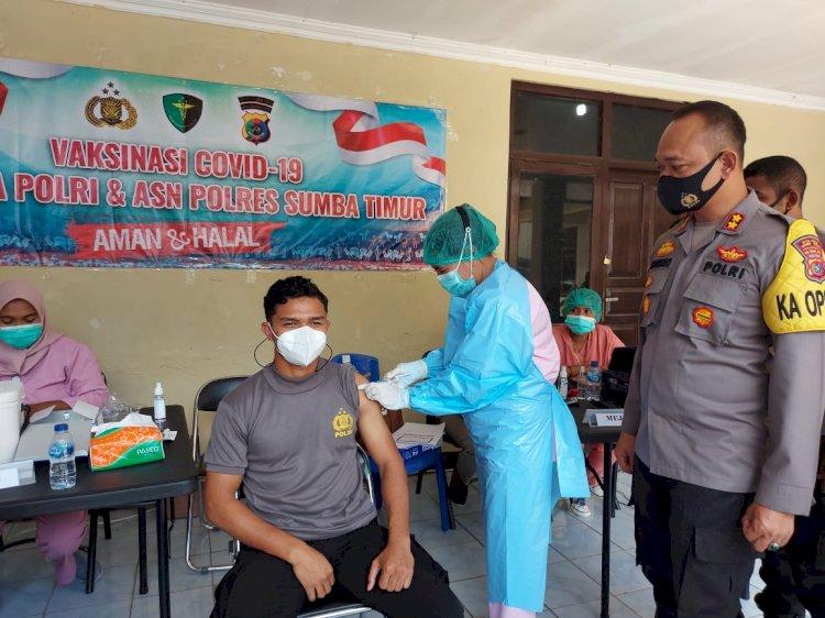 60 Personel Polres Sumba Timur Dapat Giliran Hari Pertama Vaksin Covid 19