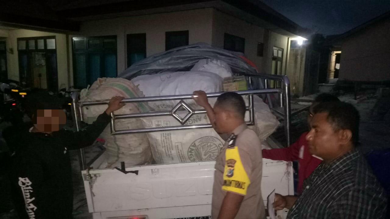 Polsek Matawai Lapawu Amankan Mobil Pick Up Bermuatan Kayu Manis Tanpa Dokumen