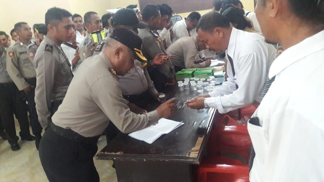 Tes Urine Anggota Polres Sumba Timur, AKBP Victor M. T. Silalahi, SH, MH : Sebelum Bertindak, Polisi Harus Bersih Dari Narkoba