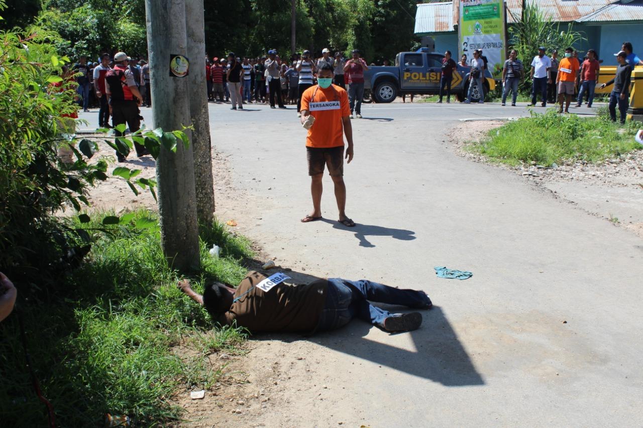 Polres Sumba Timur Gelar Rekontruksi Kasus Tawuran Kawangu Yang Mengakibatkan 1 Korban Meninggal