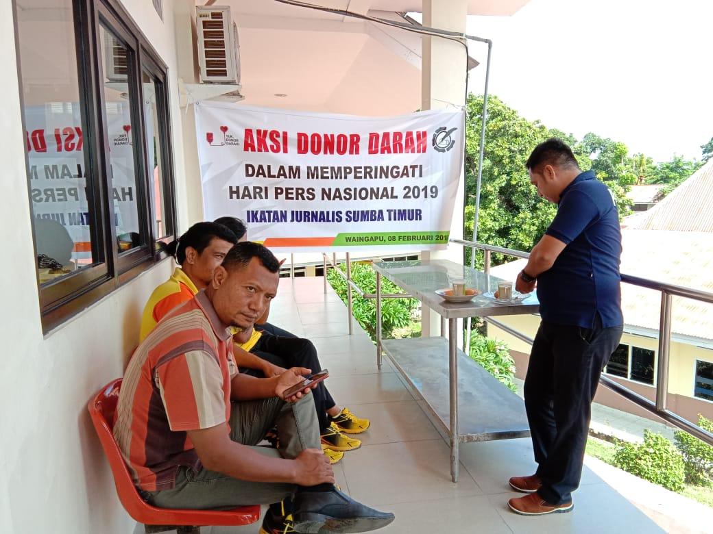 Sambut HPN 2019, Personel Polres Sumba Timur Ikut Donor Darah