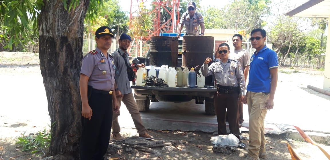 Operasi Pekat di Polsek Umalulu, Ratus Liter Miras Peneraci Diamankan