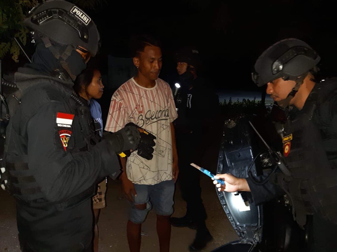 Sajam dan Pemuda Mabuk Diamankan Polres Sumba Timur Saat Gelar Operasi Pekat Malam Hari
